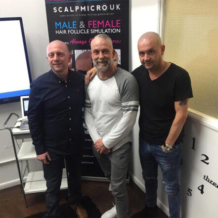 Her ses Carsten til work shop sammen med stifteren af ScalpGuru.com Damian Porter og Craig Bottomley-High fra Scalpmicro UK. (Februar 2018)